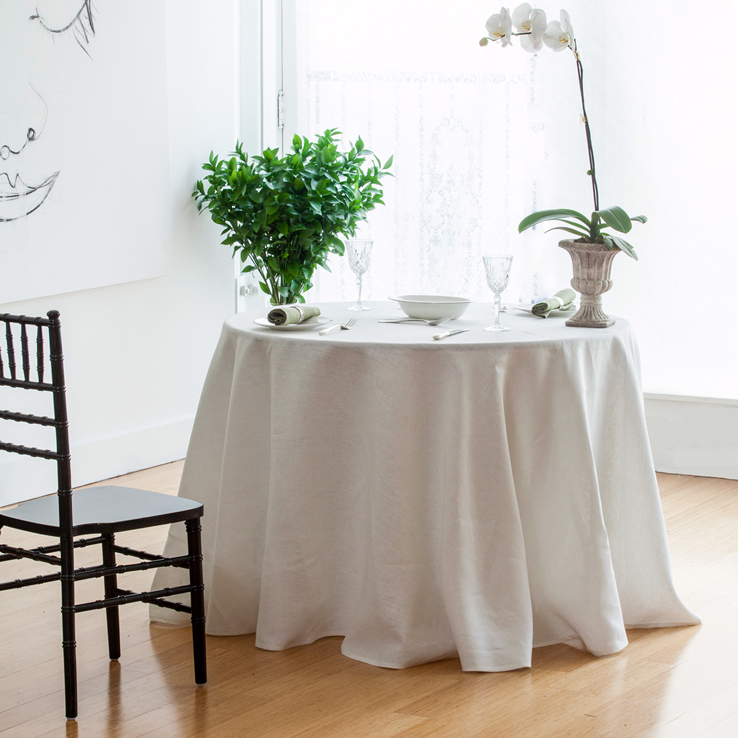 Ivory-table-linens--extra-wide-round-italian-linen-tablelcoth-napkin