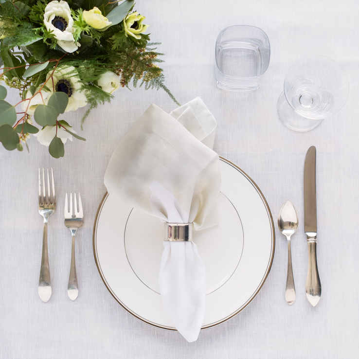 Ivory-linen-tablecloth-cinta-ivory-border-napkin