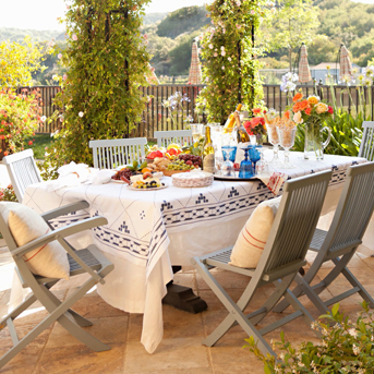 Outdoor entertaining blue and white table linens