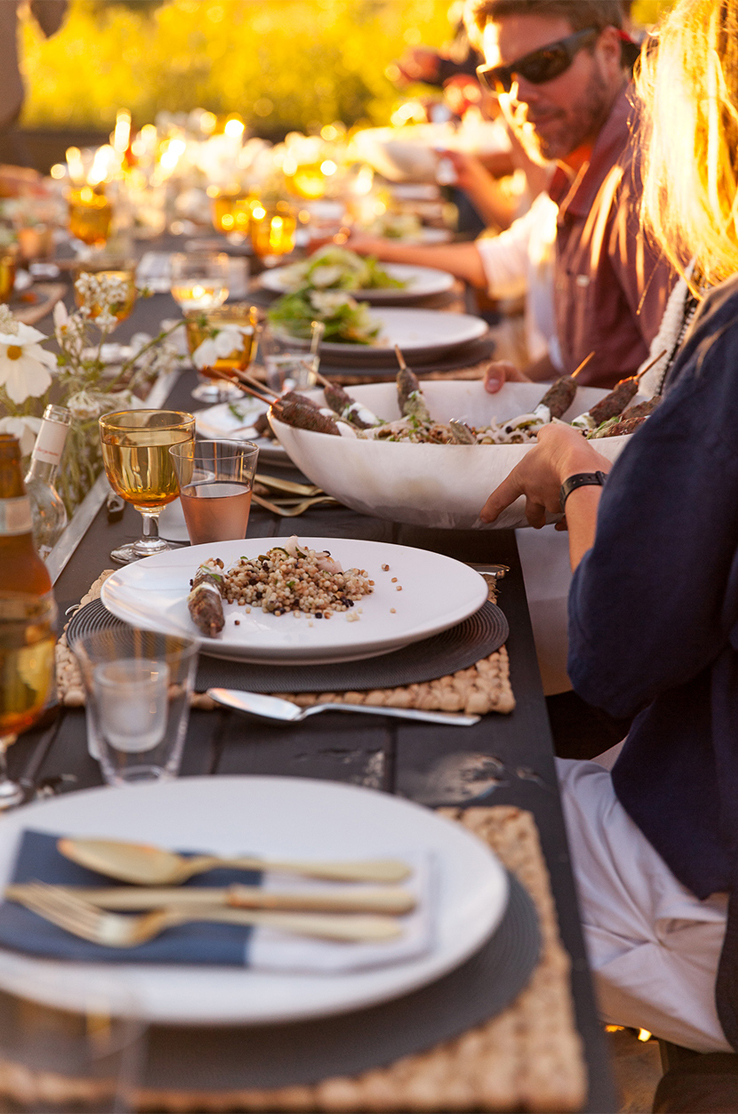Outdoor-Entertaining-Beach-dinner-party-passed-dishes-couscous-chic-decor