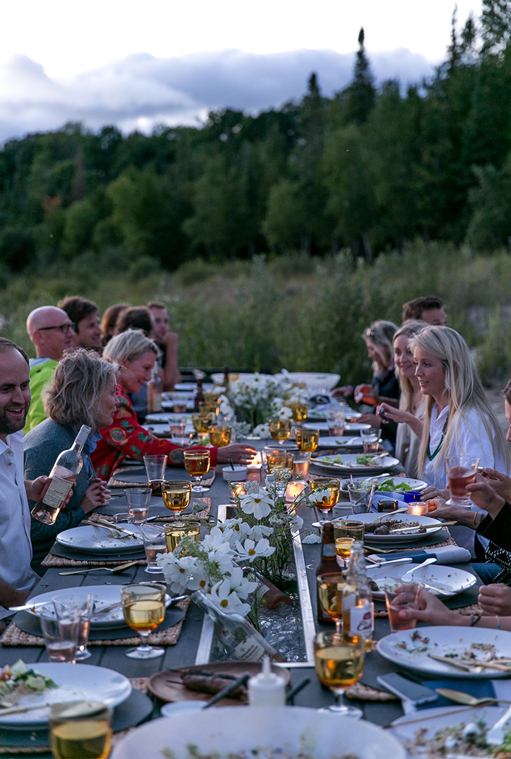 Outdoor-entertaining-summer-rose-wine-dinner-party-guests