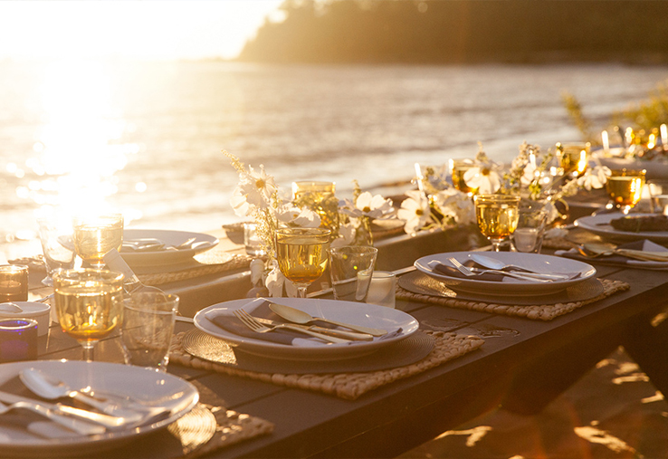 Outdoor-entertaining-Michigan-beach-dinner-party-sunset