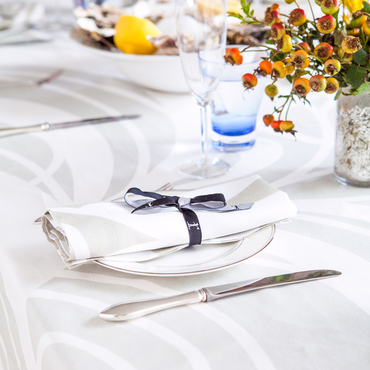 Huddleson Contemporary Linens Brand Guide to Successful Entertaining