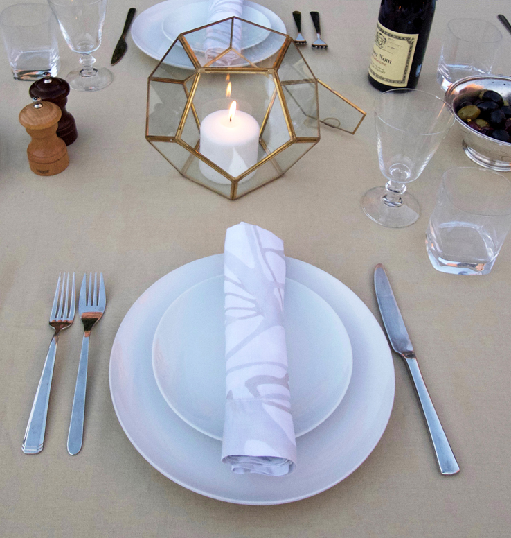 Fall table setting inspiration brass geode gold tablecloth
