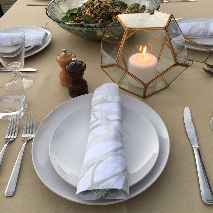 Fall Table Setting Inspiration White Gold Bronze Camel Caramel