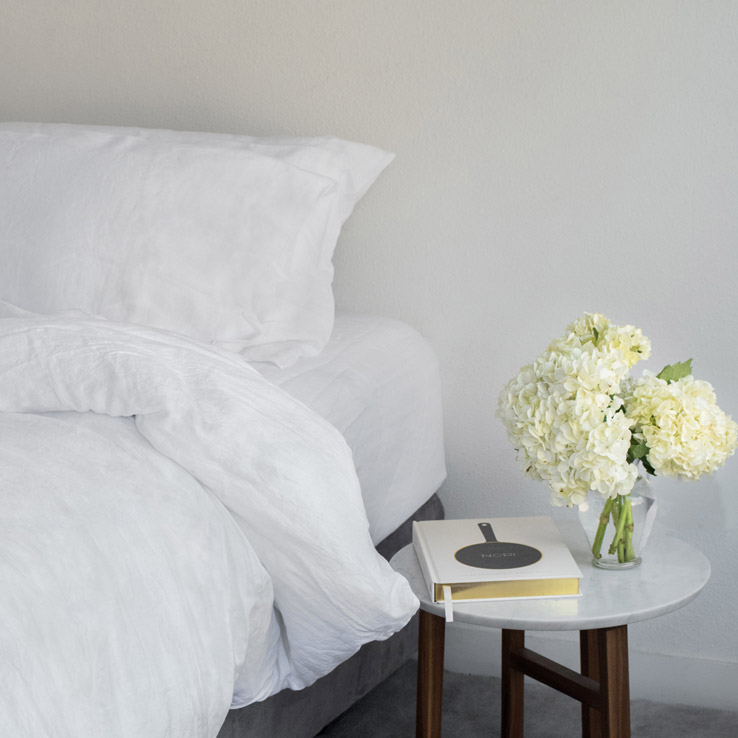 why linen sheets in classic white should be in everyone's linen closet
