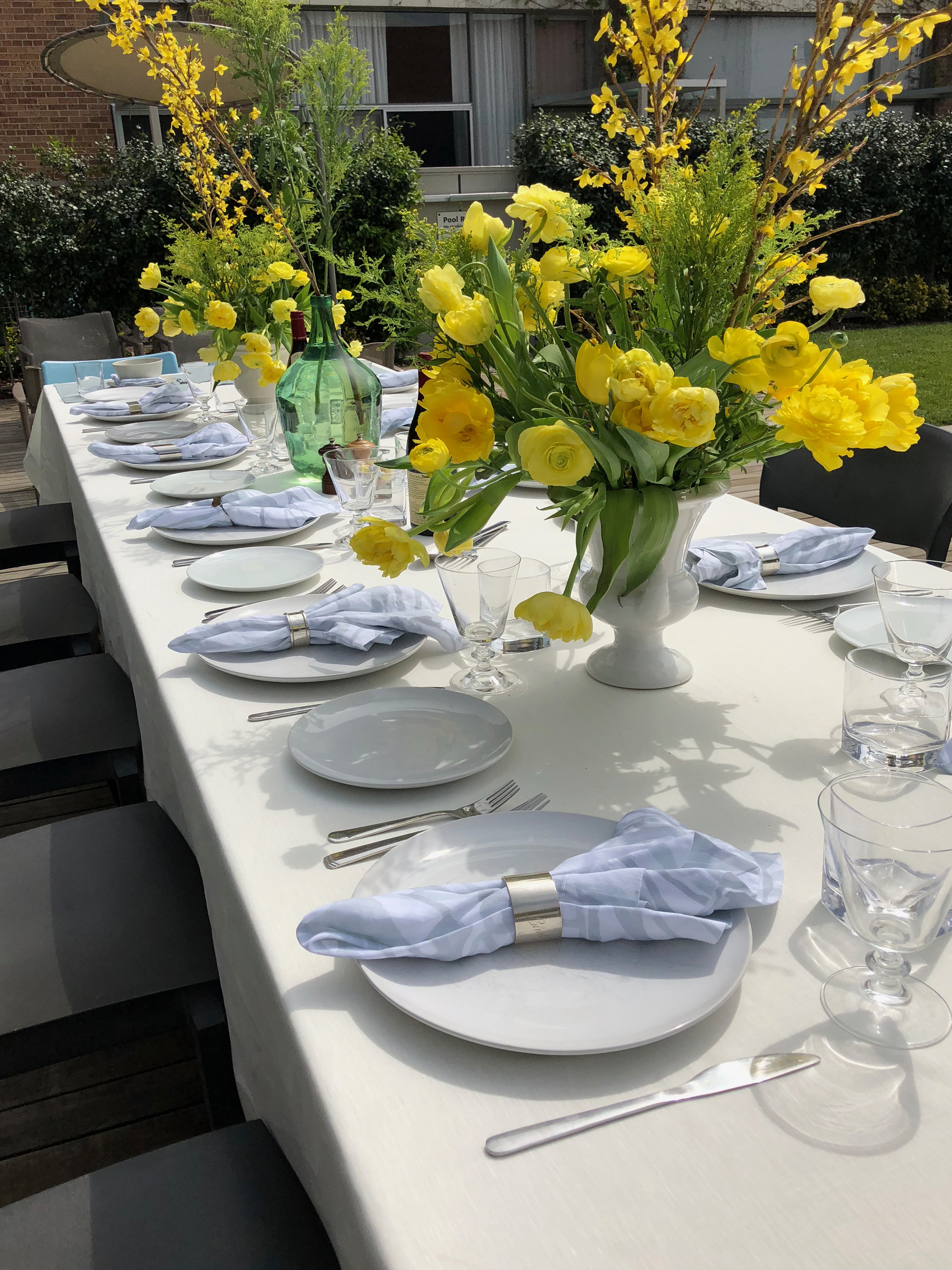 Huddleson Ivory Linen Tablecloth Spring Lunch Outdoor Yellow Floral Arrangements